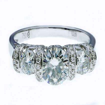 Diamond Moissanite Engagment Ring 18 ct White Gold