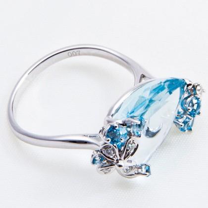 18k Diamond and Blue Topaz Cocktail Ring