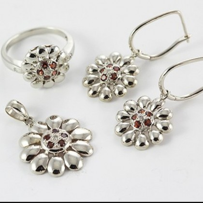 9ct White Gold Garnet and Diamond Floral Ring Pendant Earring Set