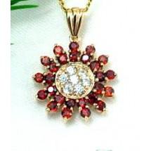 Loading image - Elegant Diamond and Garnet 9ct Star Pendant