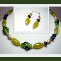 Loading image - Fused Glass Necklace and Earrings, Janart Jewellery, Made In Israel