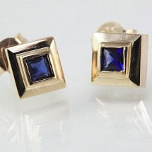 Loading image - Solid 9k Gold Sapphire Stud Earrings