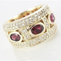 Loading image - Unisex 9ct Yellow Gold Garnet and CZ Dress Ring
