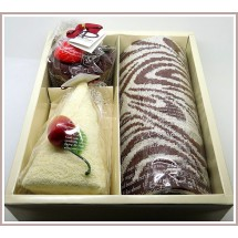 Loading image - Chocolate Cake,Berries,Face Washer,Towel,Gift Set of 3