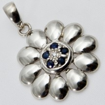 Loading image - 9ct White Gold Sapphire and Diamond Floral Pendant
