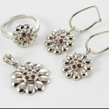 Loading image - 9ct White Gold Garnet and Diamond Floral Ring Pendant Earring Set