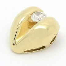 Loading image - 9ct Yellow Gold Heart Pendant with Diamond